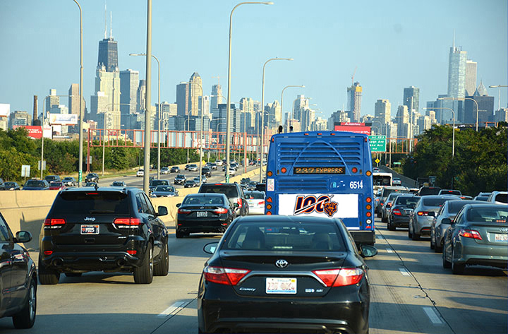 Image of Soldier Field Express Bus on Kennedy Expressway
