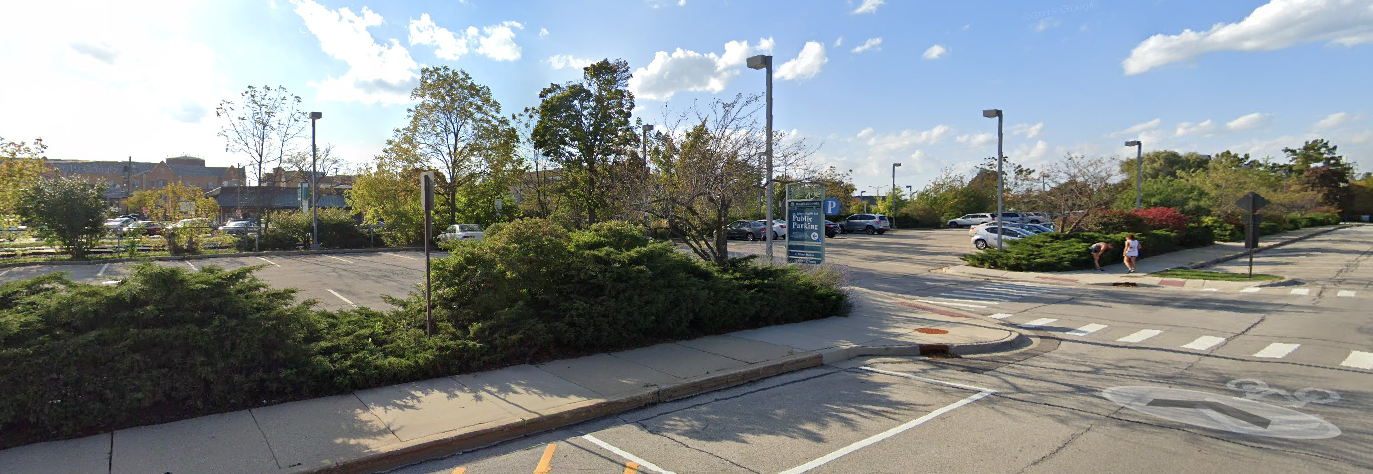 Image of the entrance to a Ravinia Direct parking lot